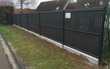 Pose d'une clôture en treillis soudé à Bonnières