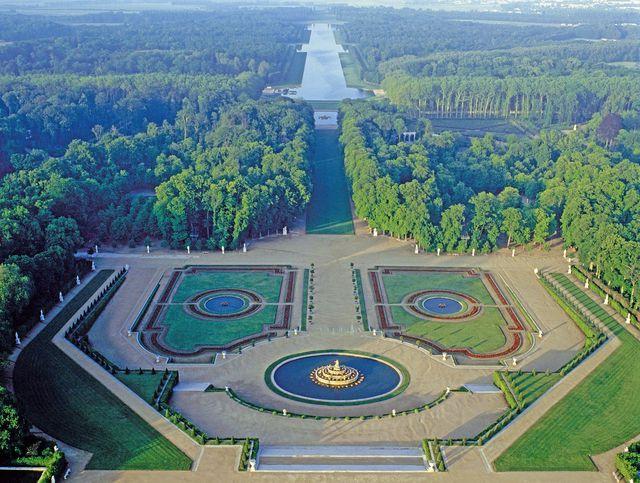 Plus de 250 jardins du monde admirer van damme parcs - Effroyables jardins resume du livre ...